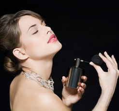 Украшения и парфюмы