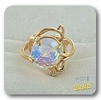 Золотое кольцо с лунным камнем и фианитом