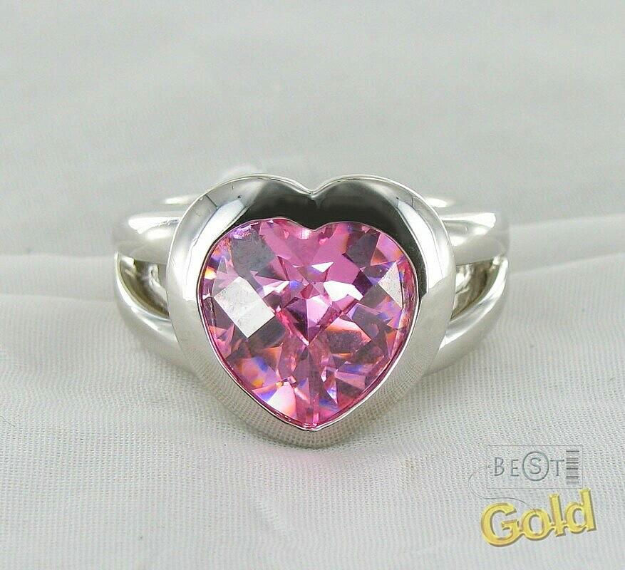Серебряное кольцо с фианитом в форме сердца