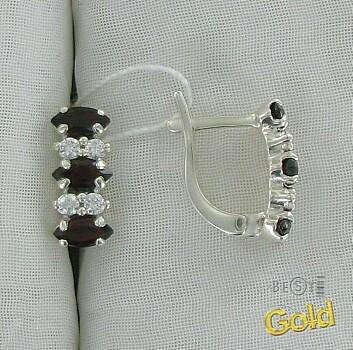 Эти серьги из серебра непременно подчеркнут Вашу привлекательность.