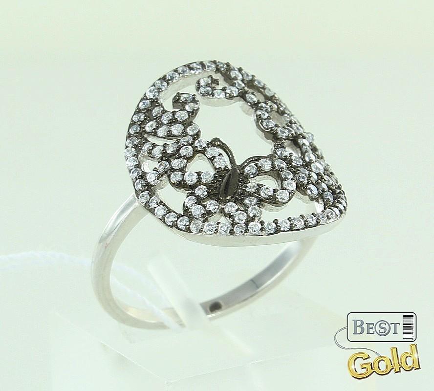 кольцо серебряное на руке