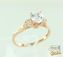 Золотое помолвочное кольцо с фианитами